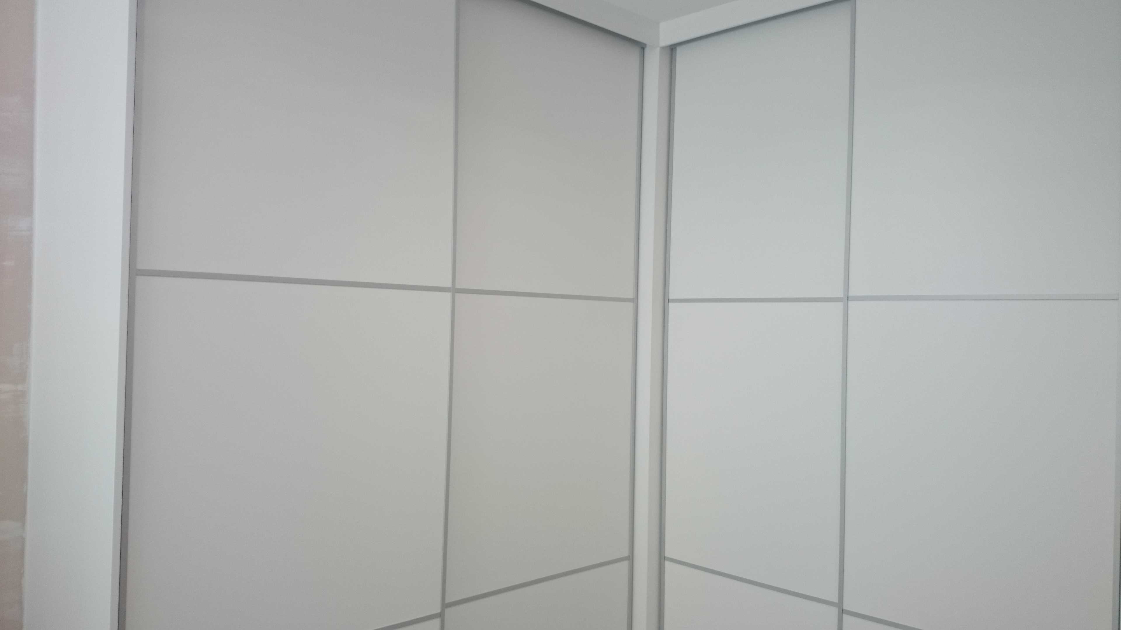 Carpinter a familia murcia armario lacado en blanco de - Carpinteria de aluminio murcia ...