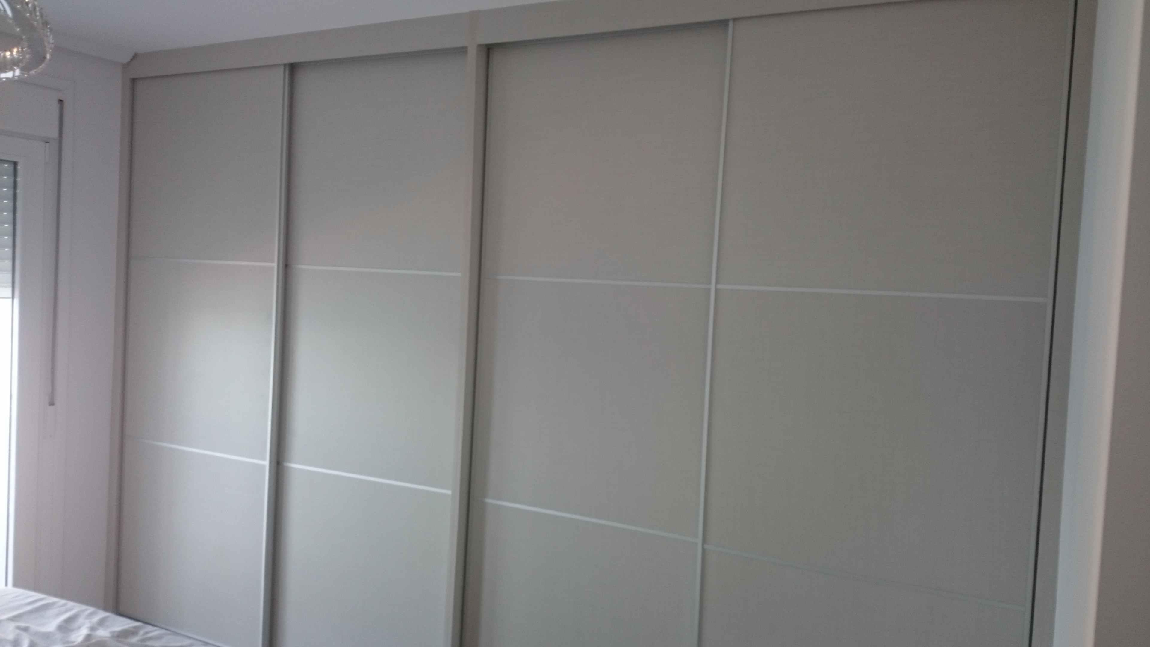 Carpinter a familia murcia armario de cuatro puertas for Puertas japonesas