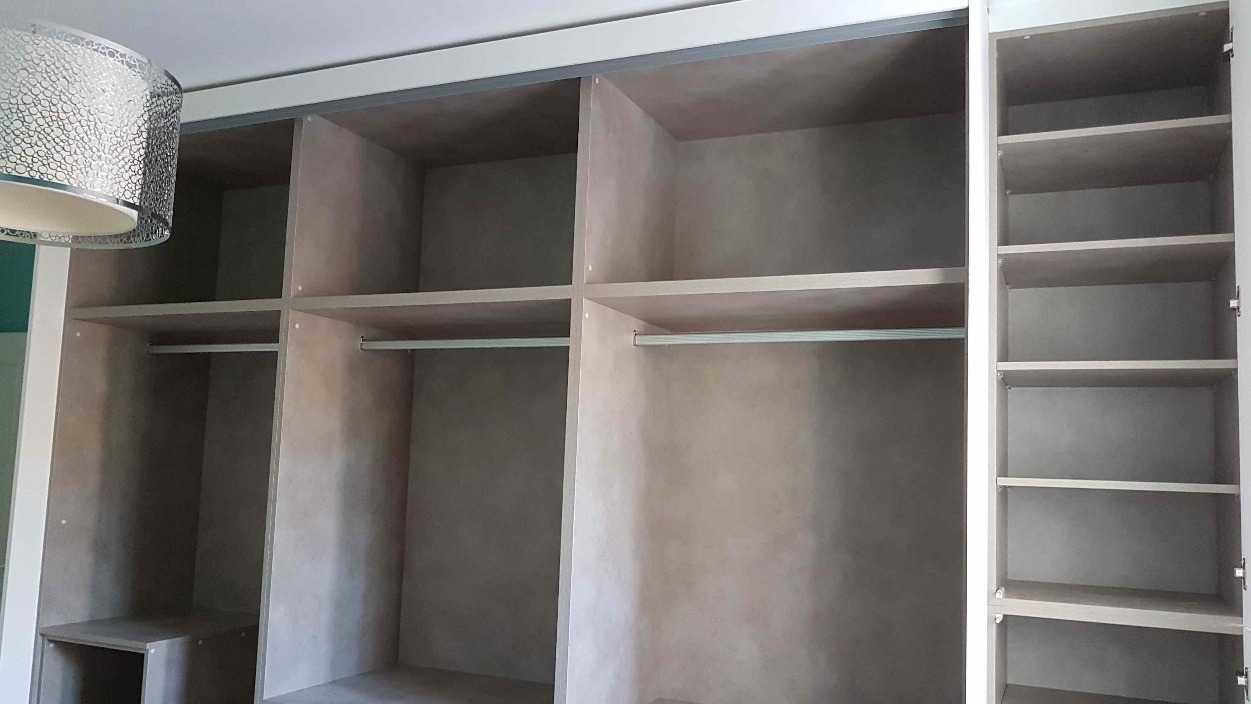 Carpinter a familia murcia armario de puertas correderas for Zapatero interior armario