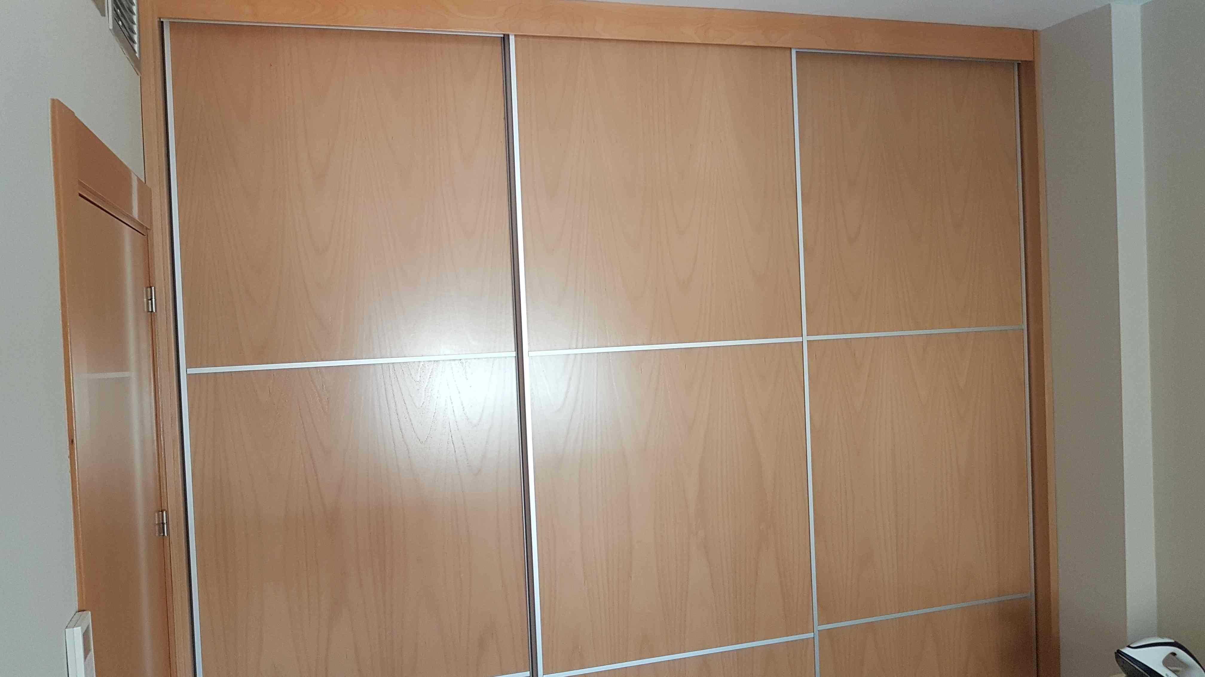Carpinter a familia murcia armarios en haya barnizada Puertas japonesas